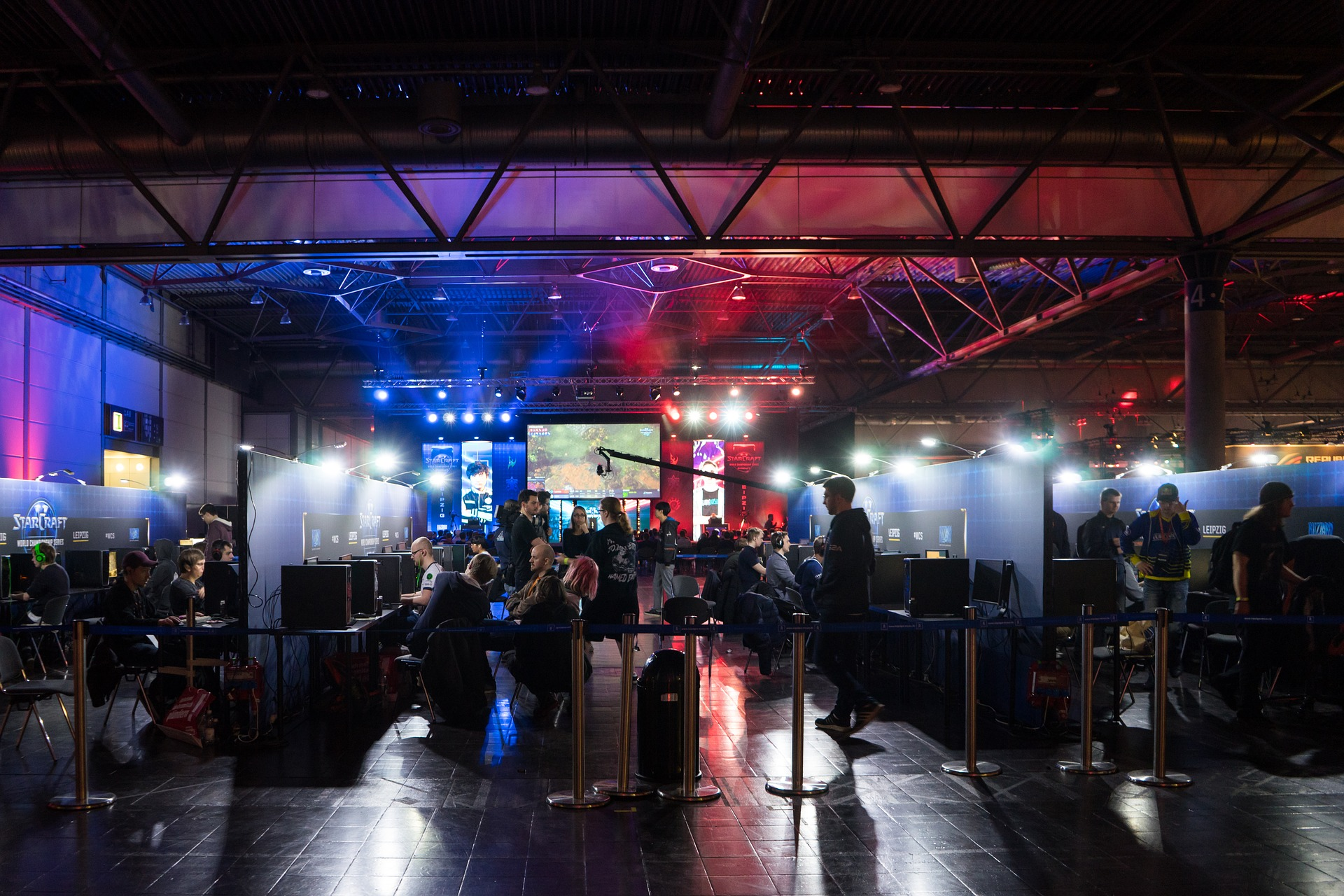 Make Money Playing Video Games and eSports