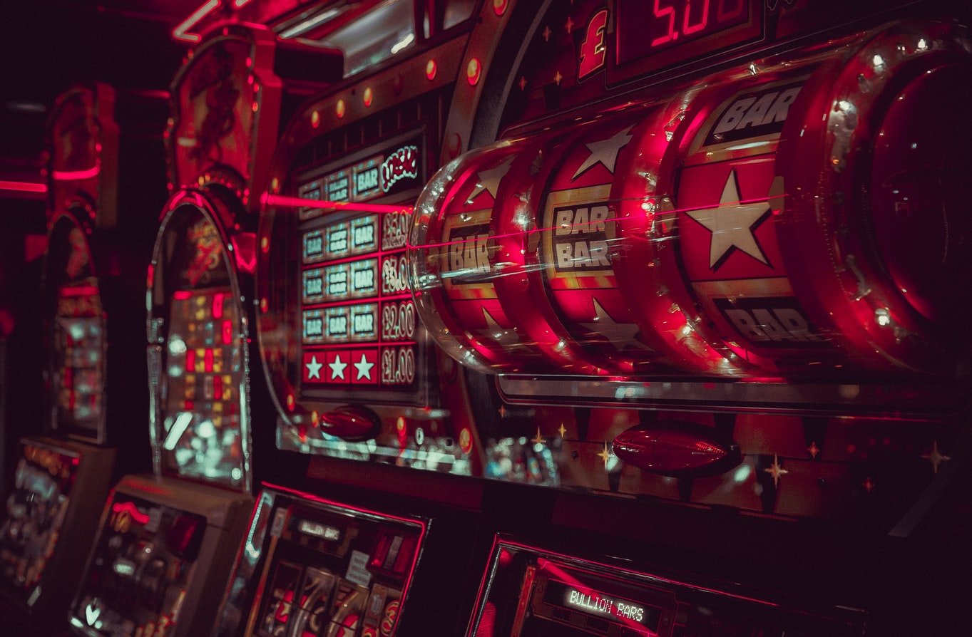 Стрим в онлайн казино найти игровые аппараты голдфишка в интернете